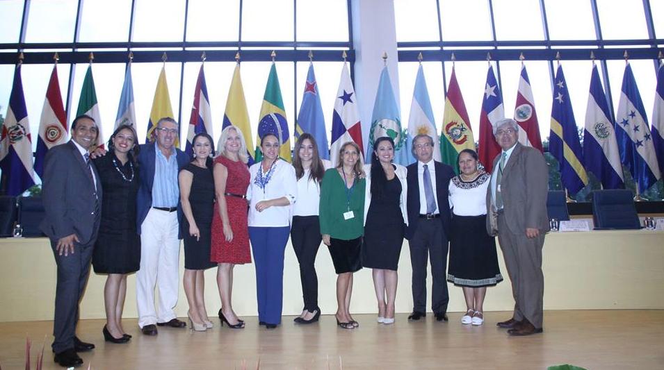 Un grupo de asambleístas ecuatorianos acudió a la reunión del Parlatino en Panamá, en diciembre de 2014. Foto: Asamblea Nacional