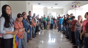 Los venezolanos se organizan y reúnen en Quito. Hay una Asociación que hace encuentros regulares.